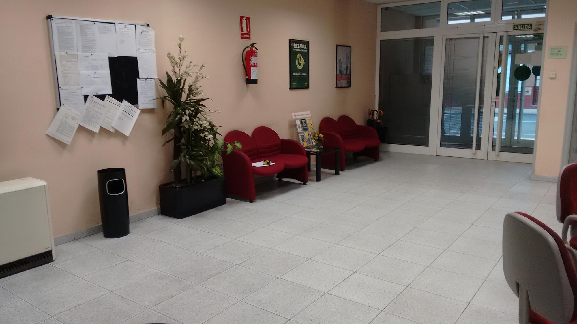 helper-oficinas-caixa-rural-melide-antes-04